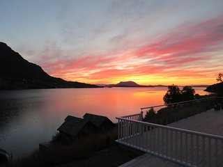 Fjordview and Sunsets. Close to Trolltunga, Hardanger, Rosendal and Preikestolen - Vindafjord Municipality vacation rentals