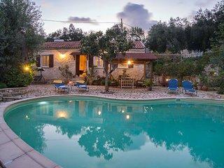 Villa Georgina (Nr Gaios) Sleeps 2-4 with sea views and pool - Gaios vacation rentals