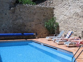 Sunny Villa with Internet Access and Balcony - Saint-Nazaire-de-Ladarez vacation rentals