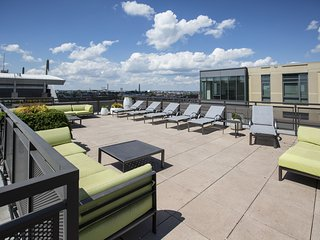 Amazing Canal Street Apartment by Stay Alfred - Boston vacation rentals