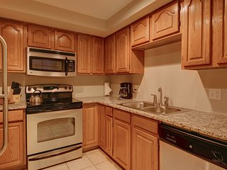 Charming Arapahoe Street Apartment by Stay Alfred - Denver vacation rentals