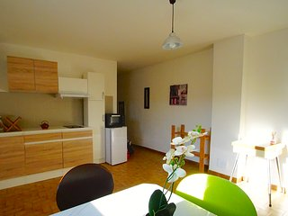 Romantic Apartment with Internet Access and Wireless Internet - Saint-Privat-de-Champclos vacation rentals