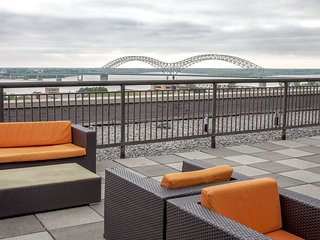 Captivating Madison Street Apartment by Stay Alfred - Memphis vacation rentals