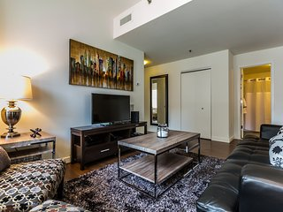 Extraordinary East Chestnut Street Apartment by Stay Alfred - Philadelphia vacation rentals