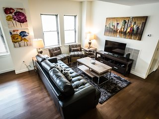 Delightful East Chesnut Street Apartment by Stay Alfred - Philadelphia vacation rentals