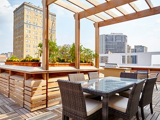 Extraordinary West Chestnut Street Apartment by Stay Alfred - Philadelphia vacation rentals