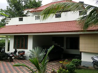 CHEAP HOMESTAY close to AIRPORT & CHERAI BEACH !!! - Aluva vacation rentals