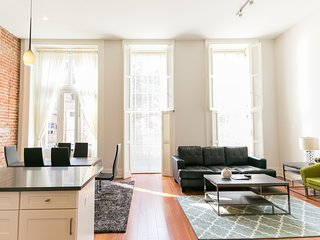 Adorable Carondelet Street Apartment by Stay Alfred - New Orleans vacation rentals
