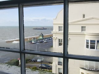 Lovely 2 bedroom Brighton Apartment with Television - Brighton vacation rentals