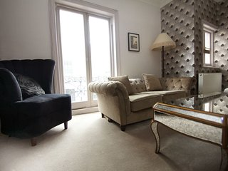 Perfect 5 bedroom House in Brighton with Washing Machine - Brighton vacation rentals