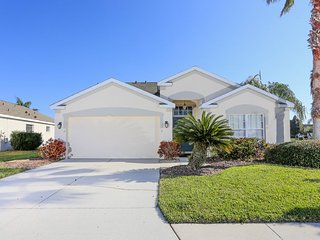 Easy drive to beach. Spacious 3 bedroom, 2 bathroom with private swimming pool - Bradenton vacation rentals