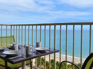 Overlooking Isla Verde Beach, Steps to Casinos - Isla Verde vacation rentals