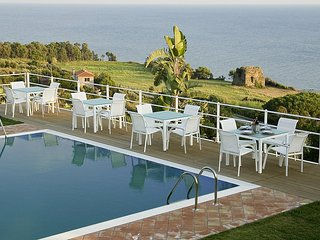 Beautiful 1 bedroom House in Acciaroli with Deck - Acciaroli vacation rentals