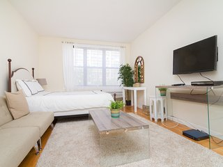 Furnished Studio Union Sq - New York City vacation rentals