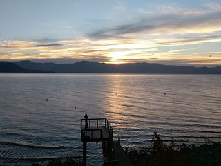 NEW LISTING - 5 BR Lakefront Home with Pier and Buoy - Carnelian Bay vacation rentals