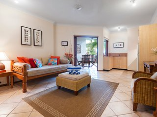 Cozy 1 bedroom Port Douglas Apartment with Deck - Port Douglas vacation rentals