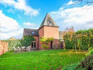 THE HOP KILN, open plan, en-suite, WiFi, lawned garden, Tenbury Wells, Ref - Tenbury Wells vacation rentals