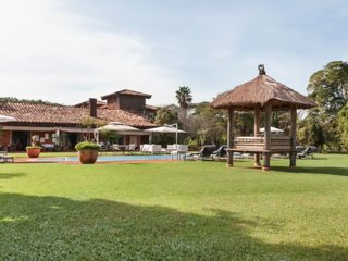 Stunning Villa sleeps 24 in 11 ensuite bedrooms - Tatui vacation rentals