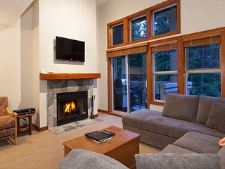 Treeline 31 | Upgraded Townhome, Ski-Home Access, Fireplace - Whistler vacation rentals