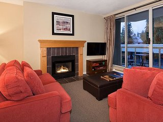 Woodrun Lodge #211 | 2 Bedroom & Den, Ski-In/Ski-Out Access, Shared Hot Tub - Whistler vacation rentals