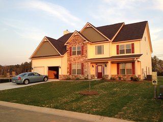 Beautiful 3 Level 7 bedroom 6 bath home - Grovetown vacation rentals