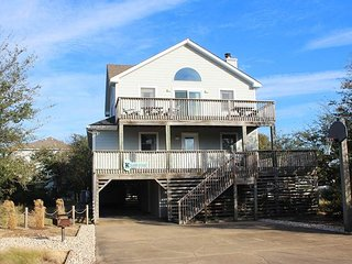Bright 5 bedroom Duck House with Deck - Duck vacation rentals
