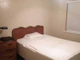 Daily,weekly clean affordable room for rent - Garland vacation rentals