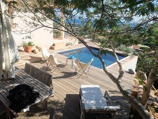 Perfect 4 bedroom Santa Giulia House with Internet Access - Santa Giulia vacation rentals