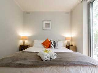 1 bedroom Apartment with A/C in St Kilda - St Kilda vacation rentals