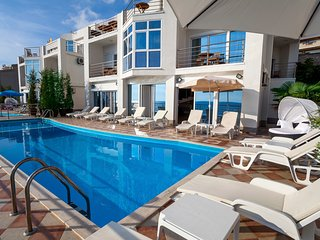 Perfect 7 bedroom Dobra Voda Villa with Deck - Dobra Voda vacation rentals