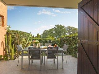 Bright apt/Pool/Parking/ AC /Garden Marina view - Villeneuve-Loubet vacation rentals