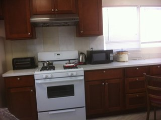 Furnished 2-Bedroom Cottage at Geary Blvd & 15th Ave San Francisco - San Francisco vacation rentals