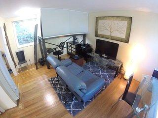 Furnished 1-Bedroom Apartment at Live Oak Ave & Curtis St Menlo Park - Menlo Park vacation rentals