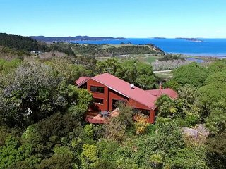 Nice House with Deck and Balcony - Kawau Island vacation rentals
