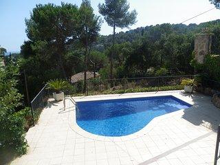 VILLA WITH PRIVATE POOL, GARDEN AND GARAGE NEAR THE BEACH ref JULIA - Tossa de Mar vacation rentals