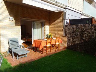 IDEAL FAMILY APARTMENT WITH SWIMMING POOL AND GARAGE ref YURI - Tossa de Mar vacation rentals