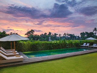 1750 m² Luxury villa Artis with rice fields view, spa and chef - Canggu vacation rentals