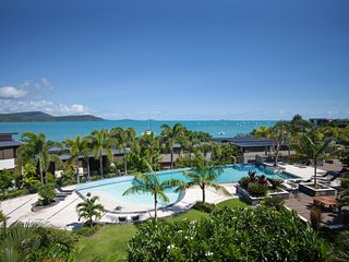 86 Whisper Bay Resort - Free WIFI - Cannonvale - Airlie Beach vacation rentals