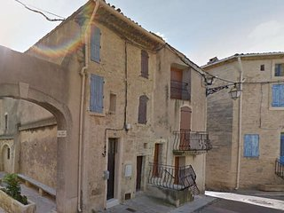 Holiday cottage, France, near Pezenas from €250pw sleeps 4 - Nezignan l'Eveque vacation rentals