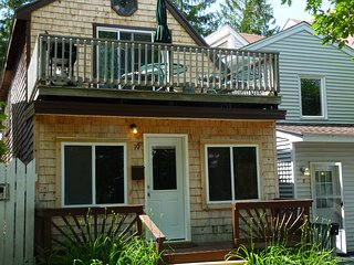 Spacious, contemporary 4 bedroom, 2 bath house, 1/4 mile from beach - Old Orchard Beach vacation rentals