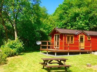 BRAMBLE - Romantic Riverside Lodge near Pucks Glen - Dunoon vacation rentals