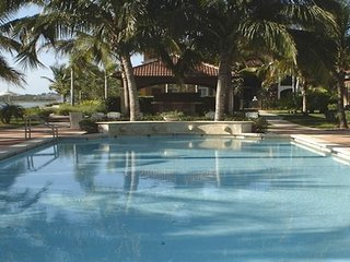 North Naples 3/2 available Jan 8 until March 3, 2017 - Golden Gate vacation rentals