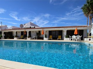 Peaceful villa with a huge pool, and lovely country views - Algoz vacation rentals