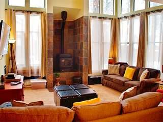 Beautifully upgraded, light filled St. Moritz Villa - Listing #325 - Mammoth Lakes vacation rentals