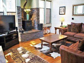 Bright and Spacious - St. Moritz Villas - Listing #338 - Mammoth Lakes vacation rentals