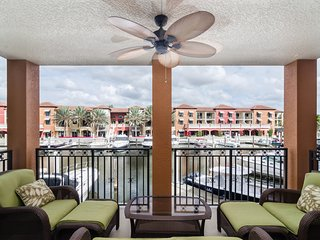 Fabulous luxury Townhouse in Downtown Old Naples with Boat-slip - Naples vacation rentals