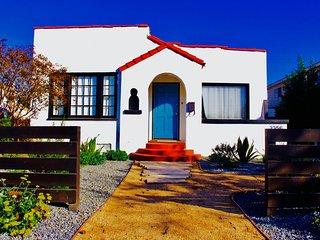 """Cozy Retreat"" In Sunny Long Beach! - Long Beach vacation rentals"