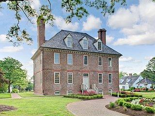 Grand Illumination in Colonial Williamsburg!  At the Historic Powhatan Resort - Williamsburg vacation rentals