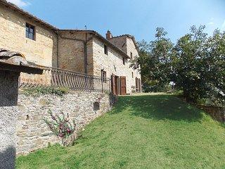 Nice 6 bedroom Farmhouse Barn in Luco Mugello - Luco Mugello vacation rentals