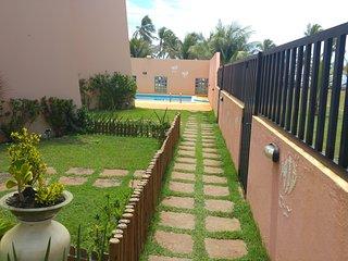 Village na melhor localização da Praia do Flamengo - Lauro de Freitas vacation rentals